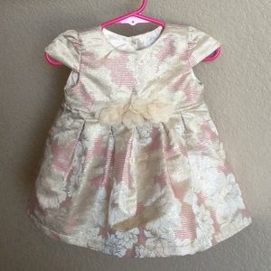 The Children Place Dress 6-9 months, almost new.